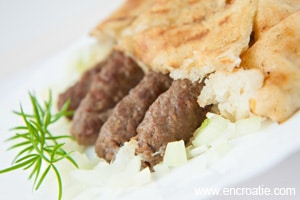 Gastronomie Croate, plat traditionnel de Croatie : Cevapi