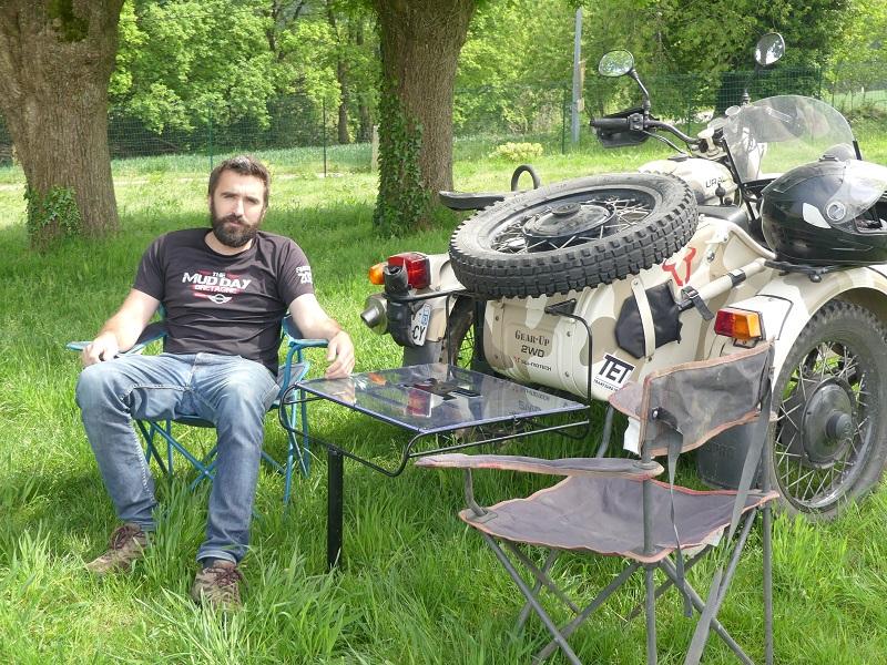 Side-car Ural Ranger 2011 - Fabriquer sa table de pique-nique pliable