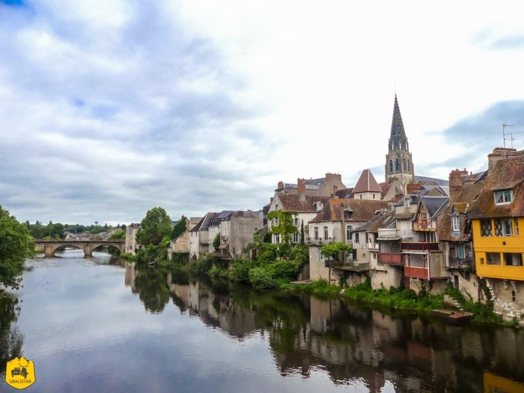 Argenton-sur-Creuse - Voyage moto dans le Berry Val de Creuse - URALISTAN