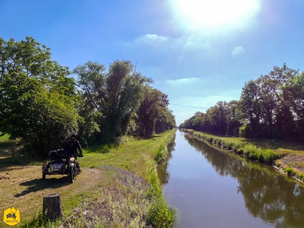 Canal du Berry - Voyage moto dans le Berry Val de Creuse - URALISTAN
