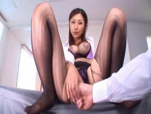 セクシー女優の青木玲が美巨乳やおまんこを弄らせ大量潮吹きし激しいセックスで喘ぐ裏ビデオ動画無料