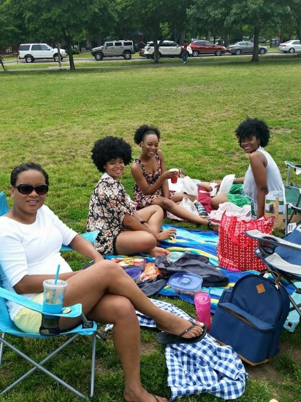 laini-shares-nashville-picnic-with-friends