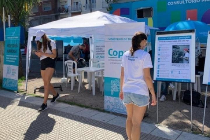 Ministerio de Trabajo bonaerense instaló centros de atención en la costa atlántica