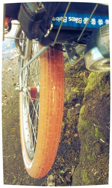 Tread pattern on CST Metropolitan Palm Bay tires