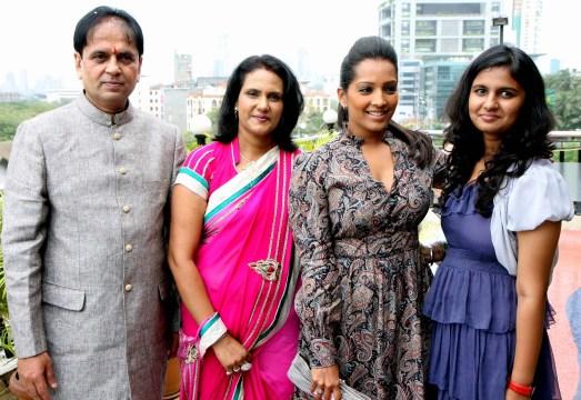 hardik,sunita,meghna & hardik daughter