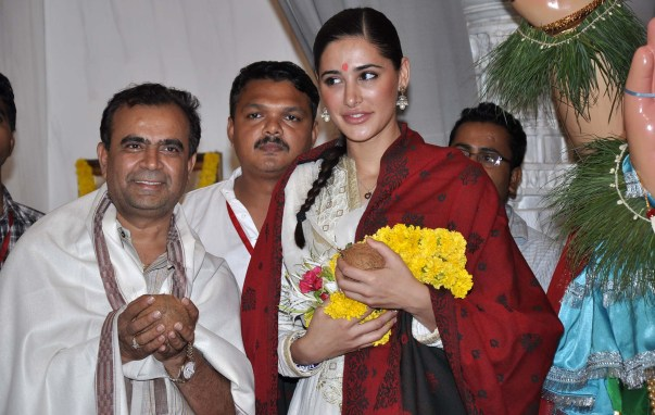 yogesh lakhani & nargis fakri