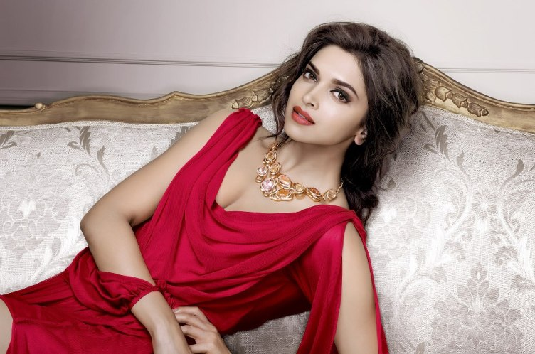 deepika-padukons-hot-spicy-stills-for-tanishq-jewelers-4