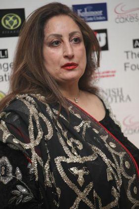 Founder of The Angeli Foundation, Angeli Kapoor Puri at the UK Gala Fundriaser with Manish Malhotra