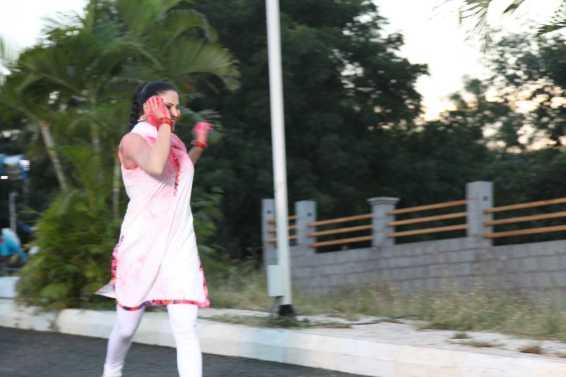 Veena Malik Playing Holi34