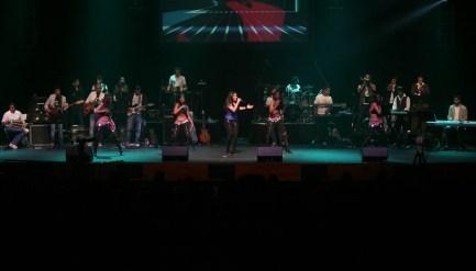 Sunidhi Chauhan rockin the stage