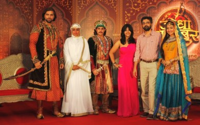 From L-R - Chetan Hansraj, Ashwini Kalsekar, Rajat Tokas, Ekta Kapoor,Mr. Ajay Bhalwankar, Head, Programming, Hindi GEC, Zee and Paridhi Sharma at the press launch of Zee TV's Jodha Akbar