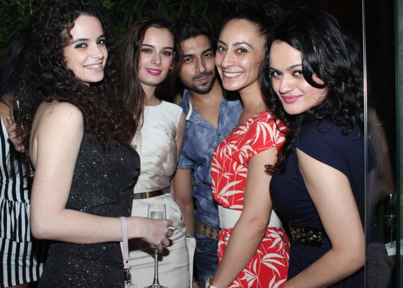 Evelyn Sharma birthday party - Pic 2