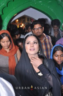 130726_183311Veena Malik At Hazrat Nizamuddin Dargah In Delhi16