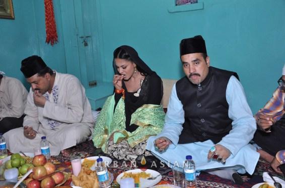 130726_191916Veena Malik At Hazrat Nizamuddin Dargah In Delhi4