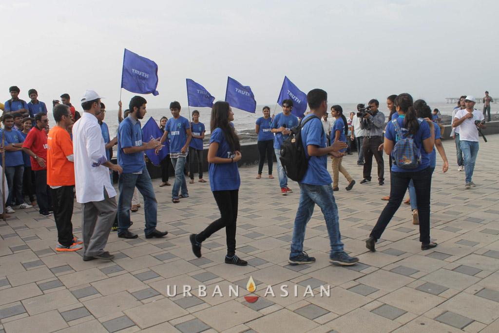 130921_171229Students At Peace Walk