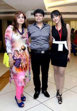 Sagarika with the owners of Pankaj Diamonds