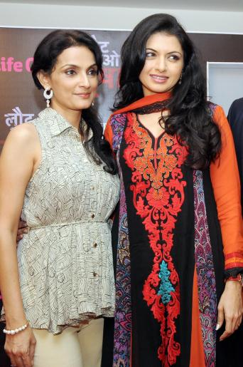 Actresses Bhagyashree and Rajeshwari during a press conference to promote their upcoming television soap `Laut Aao Trisha` in New Delhi on July 11, 2014. (Photo: IANS)