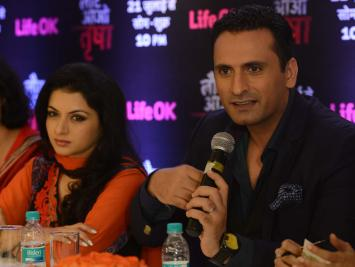 Actors Bhagyashree and Jai Kalra during a press conference to promote their upcoming television soap `Laut Aao Trisha` in New Delhi on July 11, 2014. (Photo: IANS)