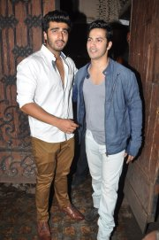 Varun-Dhawan-with-Arjun-Kapoor-at-Arjun-Kapoor-s-birthday-party--1-