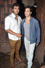 Varun-Dhawan-with-Arjun-Kapoor-at-Arjun-Kapoor-s-birthday-party--1-