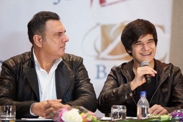 BOMAN IRANI AND VIVAAN SHAH AT THE PRESS CONFERENCE OF SLAM THE TOUR IN HOUSTON