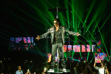 SHAH RUKH KHAN AT SLAM THE TOUR CHICAGO BN6A5417-2