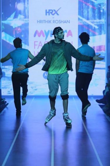 Sandip Soparrkar troups performing at Myntra fashion show11