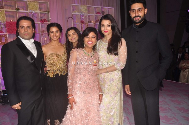 Abhishek Bachchan with Aishawarya Rai Bachchan at Uday Singh and Shirin recepetion Party