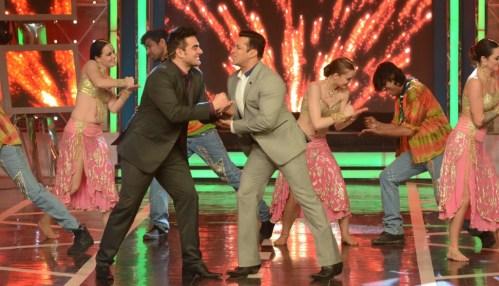Salman Khan and Arbaaz Khan In Bigg Boss 8 (1)