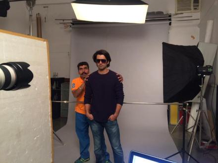 Barun gets ready for a shot