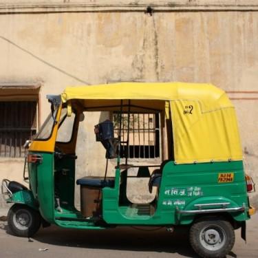 Belinda Carlisle Auto Rickshaw Image