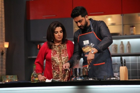 Abhishek shows Farah how its done