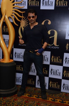 Meet Bros member at 16th IIFA VOTING WEEKEND