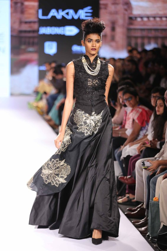 Model walks for Raghavendra Rathore at Lakme Fashion Week SR 15 (1)