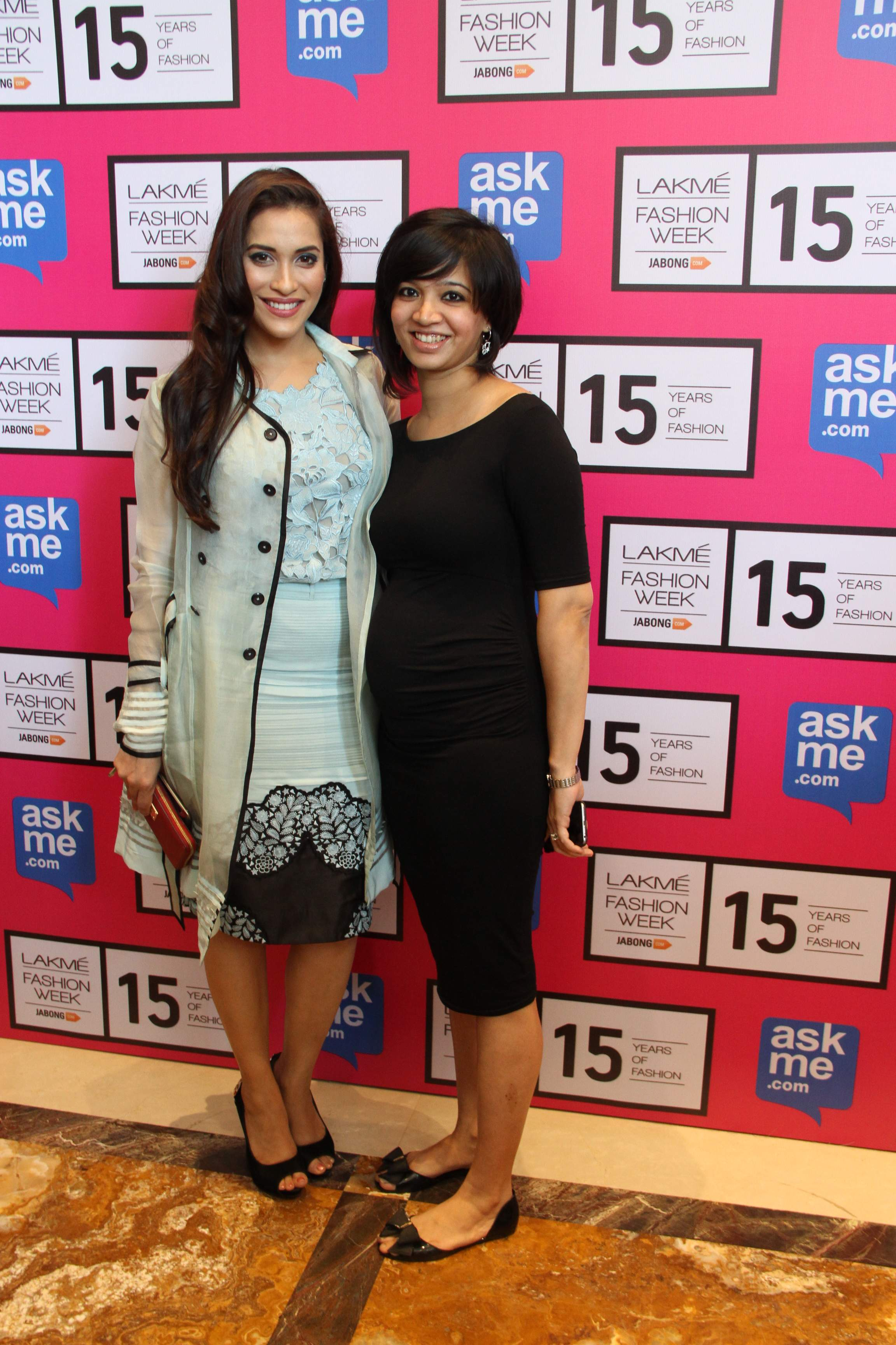 Rashmi Nigam with Designer Pallavi Singhee at Lakme