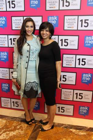 Rashmi Nigam with Designer Pallavi Singhee at Lakme