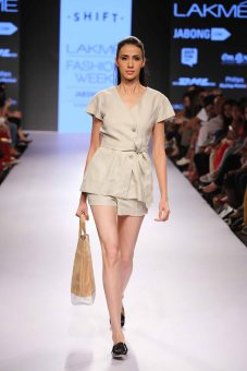 NIMISH SHAH SHOWCASED AN EXCITING TRAVEL WARDROBE AT LAKMÉ FASHION WEEK SUMMER/RESORT 2015