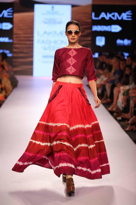 Shruti Sancheti at Lakme Fashion Week Summer Resort 2015 (15)