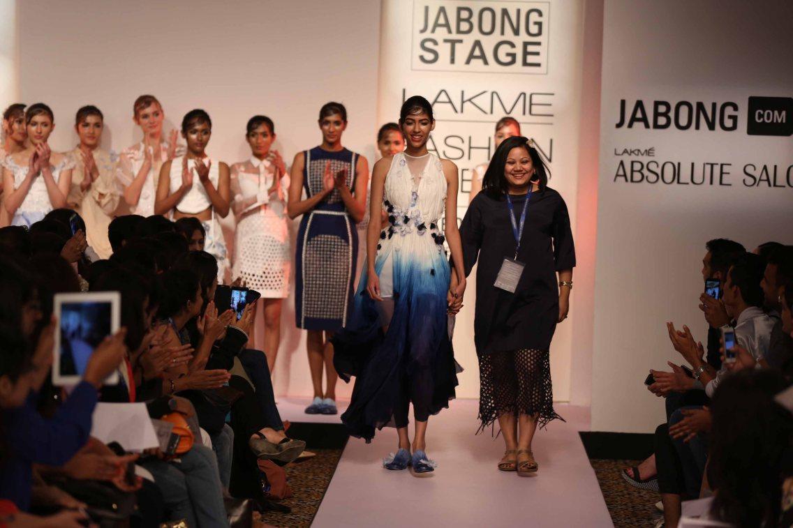 Surbhi Shekhar at Lakme Fashion Week 2015 (18)