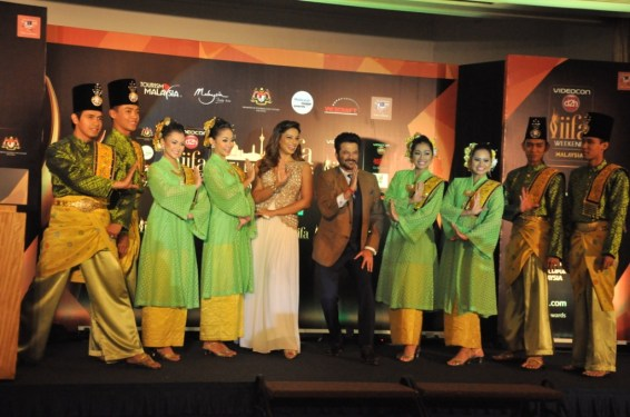 Bipasha Basu And Anil Kapoor with Istana Budaya dancers at the IIFA Awar...