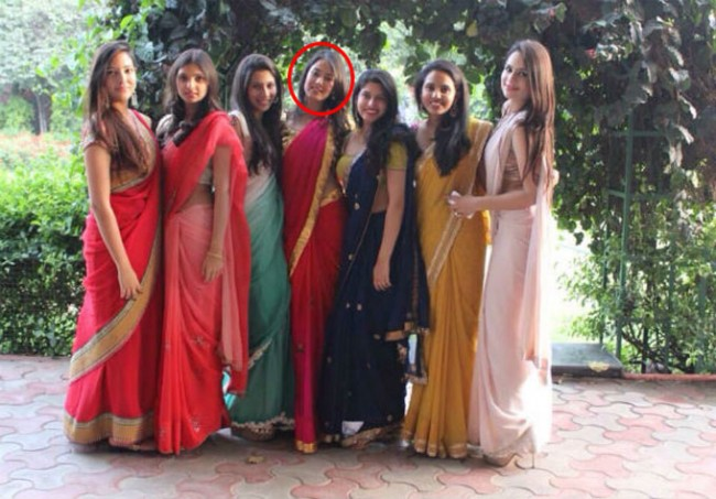 Mira Rajput (in the middle) and her friends