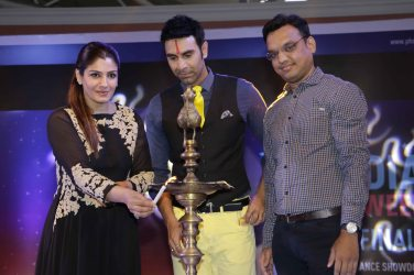 Raveena Tandon Sandip Soparrkar lighting up