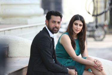 gippy grewal and karishma kotak on set of kaptaan a film by tips films directed by mandeep kumar and produced by kumar taurani
