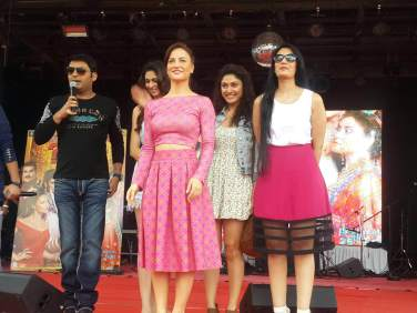 Kapil Sharma, Simran Mundi and Sai Lokur