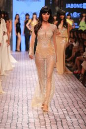 Monisha Jaising at LFW WF 2015 (29)