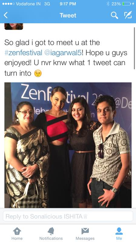Sonakshi with her fan - Ishita Aggrawal at the event