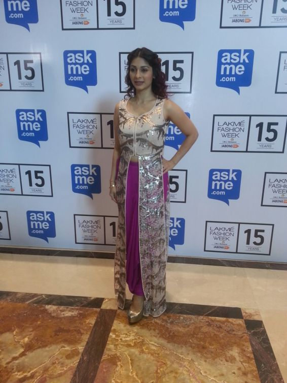 Tanishaa at Neeta Lulla (2)