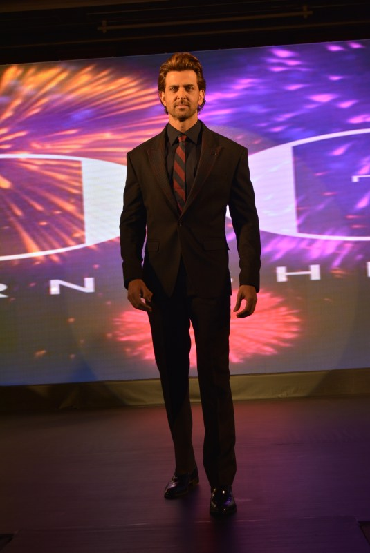 Hrithik Roshan Launches the 'Dream Runner' Collection with DCtex