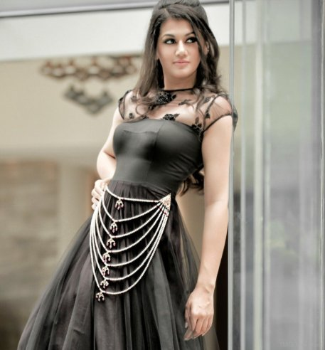 Taapsee-Pannu-In-Black-Gown1
