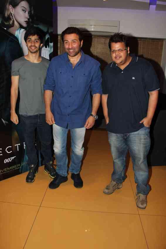Sunny Deol with Shivam Patil and rishabh Arora (3)